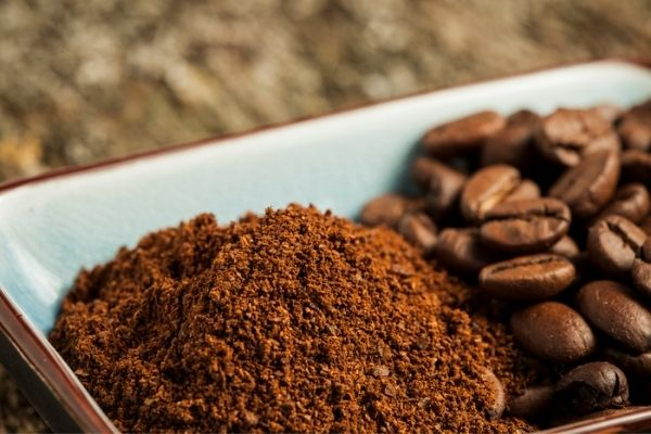 why grind coffee beans in a blender