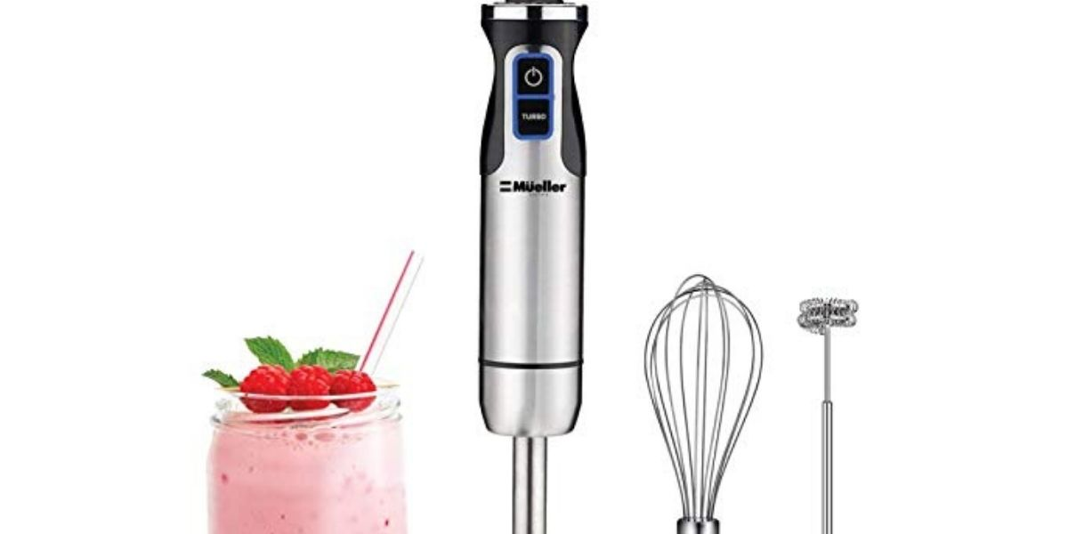 picture of a smoothie made using a hand blender