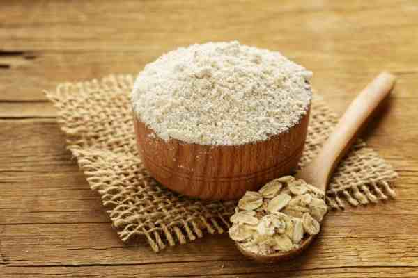 picture of ground oat flour in a bowl