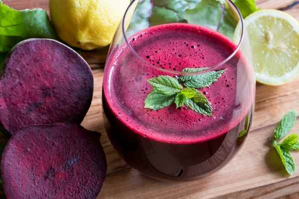 picture of healthy beet juice in a glass